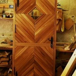 Kvalitativas masivkoka durvis