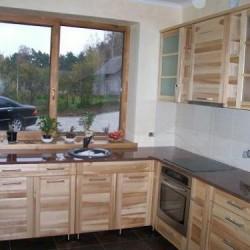 Kvalitatīvas koka virtuves iekārtas