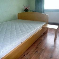 Priedes koka gultas par saprātīgām cenām.