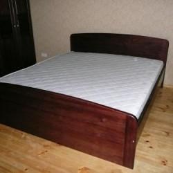 Bēcētas koka gultas