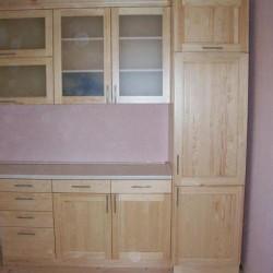 Priedes koka virtuves iekārtas no ražotāja.